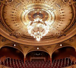 chandelier Pilzn Opera
